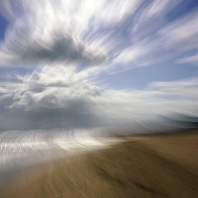 Lion-sur-Mer. Tout à commencé sur l'horizon de métal froid. Tirages disponibles