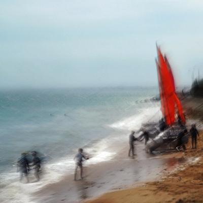 8-Luc sur Mer. Voiles rouge. Pantin. Tirages disponibles